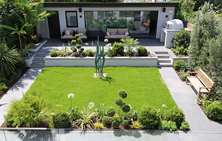 Contemporary garden landscaping in Richmond